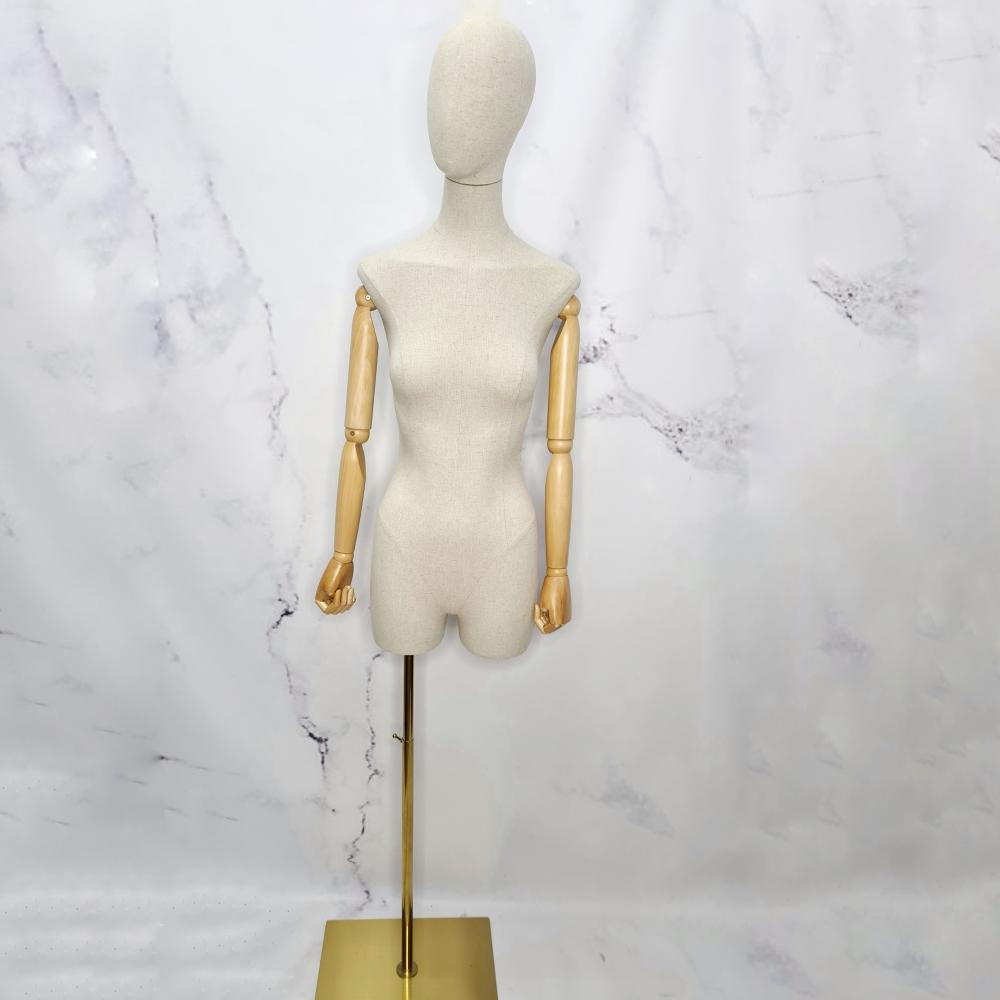 Манекен женский с деревянными руками на шарнирах (101-09-05)