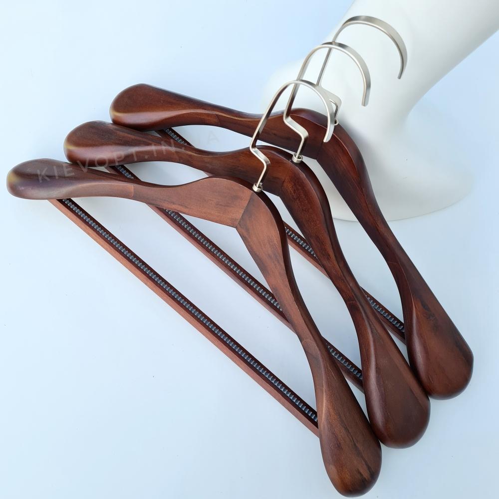 Деревянные вешалки плечики для верхней одежды лакированные (орех), 45 см
