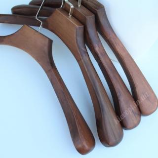 Деревянные плечики вешалки широкие для верхней одежды, 45 см