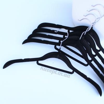 Бархатные вешалки (плечики) для верхней одежды