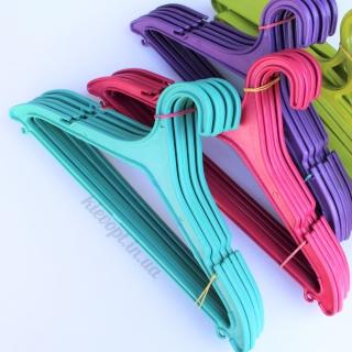 Вешалки плечики пластиковые для одежды литые цветные, 44 см